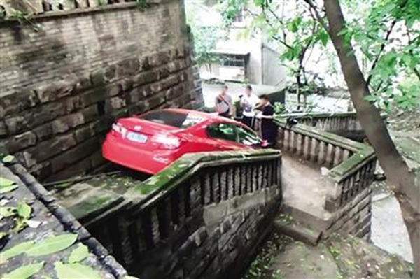 driver-down-stairs-2-86019