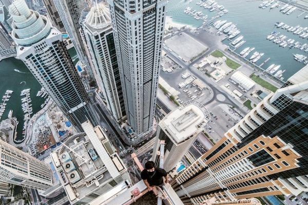 rooftopper-dubai-d_3384772k-74215