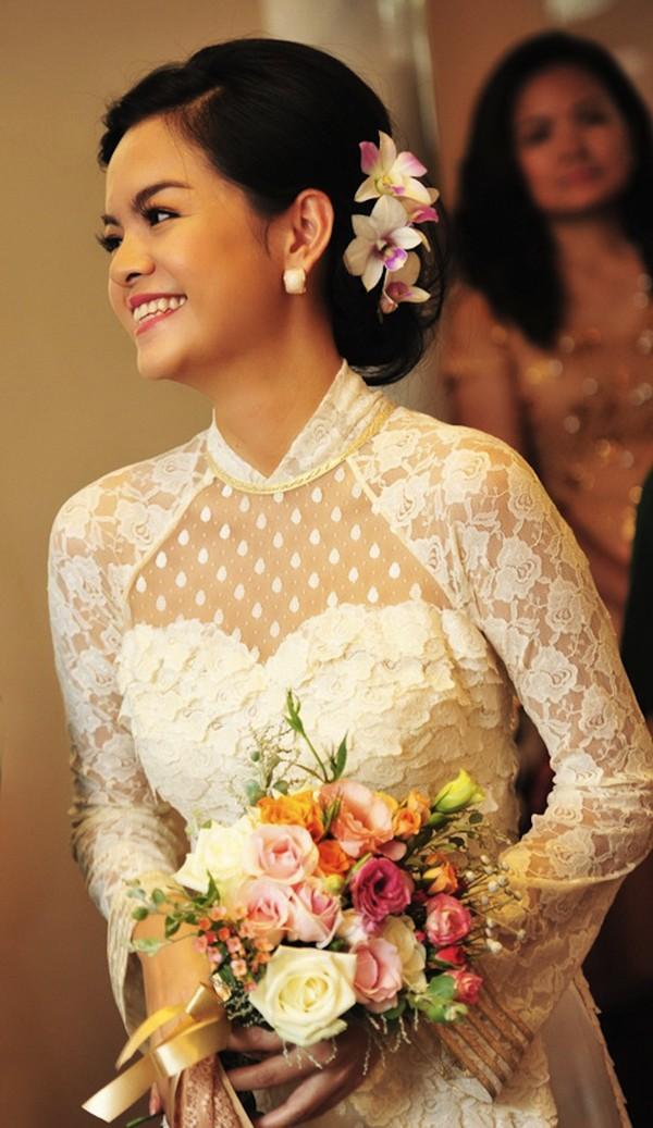 Những cô dâu của showbiz Việt diện áo dài trong ngày cưới hỏi 3