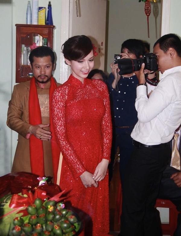 Những cô dâu của showbiz Việt diện áo dài trong ngày cưới hỏi 6