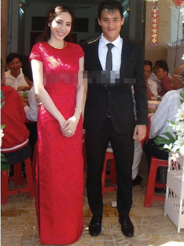 Những cô dâu của showbiz Việt diện áo dài trong ngày cưới hỏi 7