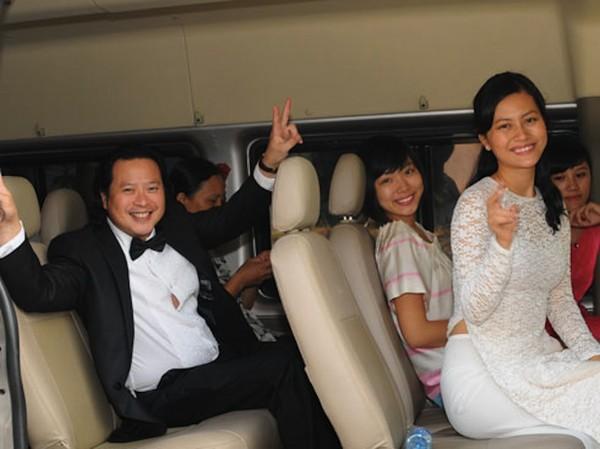 Những cô dâu của showbiz Việt diện áo dài trong ngày cưới hỏi 10