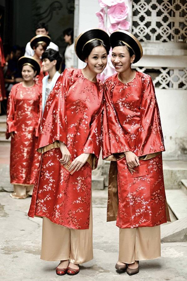 Những cô dâu của showbiz Việt diện áo dài trong ngày cưới hỏi 12