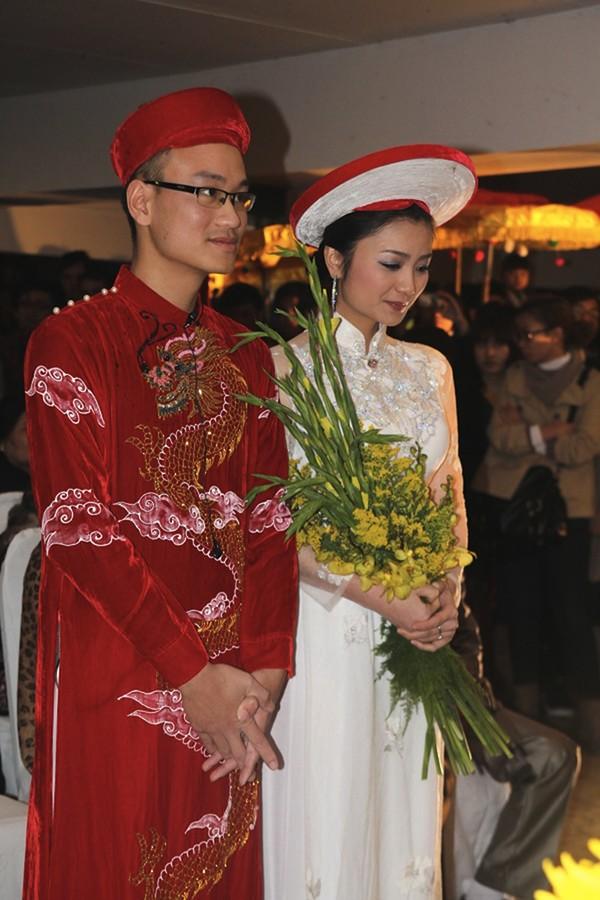 Những cô dâu của showbiz Việt diện áo dài trong ngày cưới hỏi 19
