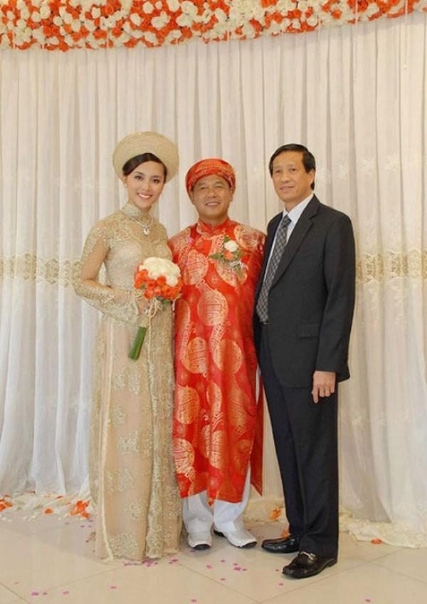 Những cô dâu của showbiz Việt diện áo dài trong ngày cưới hỏi 20