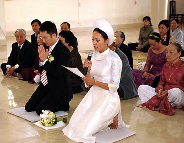 Những cô dâu của showbiz Việt diện áo dài trong ngày cưới hỏi 21