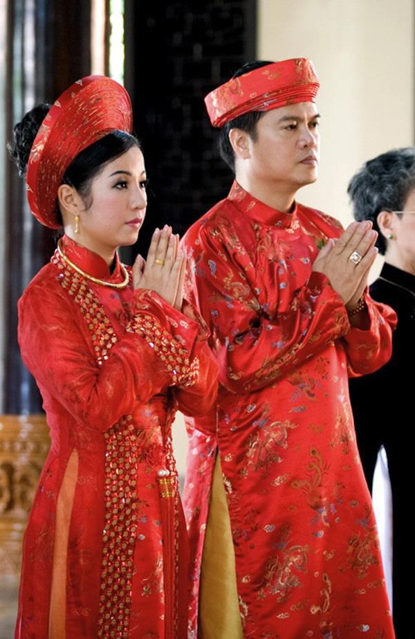 Những cô dâu của showbiz Việt diện áo dài trong ngày cưới hỏi 27