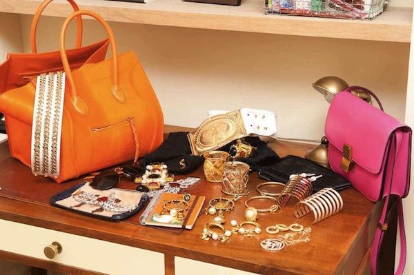 Ngó nghiêng tủ đồ của các fashionista thế giới 13