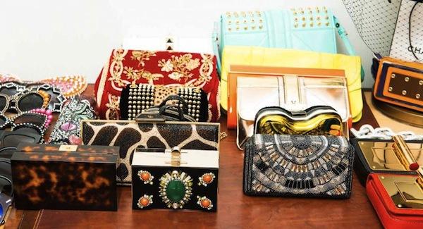 Ngó nghiêng tủ đồ của các fashionista thế giới 16