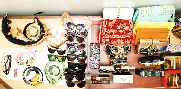 Ngó nghiêng tủ đồ của các fashionista thế giới 17