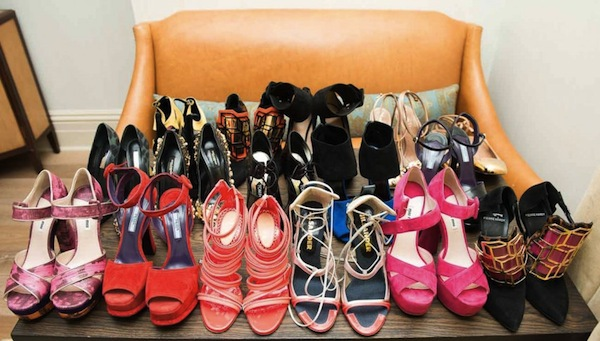 Ngó nghiêng tủ đồ của các fashionista thế giới 18