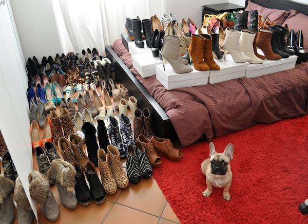 Ngó nghiêng tủ đồ của các fashionista thế giới 8