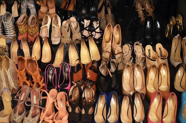 Ngó nghiêng tủ đồ của các fashionista thế giới 3