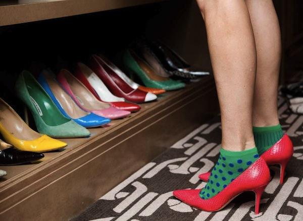 Ngó nghiêng tủ đồ của các fashionista thế giới 23