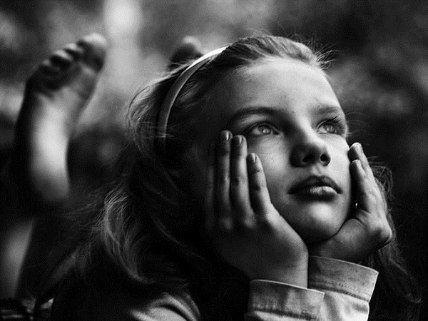 Lý giải 3 hiện tượng: đỏ mặt, khóc, mơ mộng 8