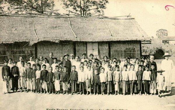 Đóng vai người Việt cổ đi học thời xưa 6