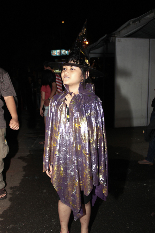 """Teen Sài Gòn """"nóng hừng hực"""" với Halloween 15"""