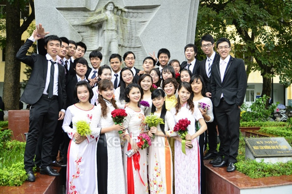 Sinh viên năm cuối nô nức chụp ảnh kỉ yếu  10