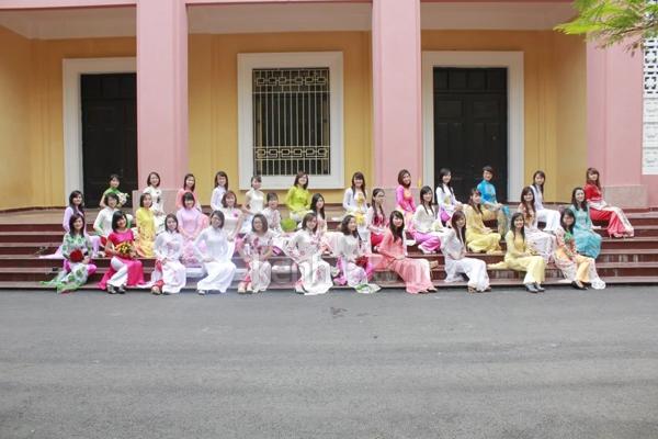 Sinh viên năm cuối nô nức chụp ảnh kỉ yếu  12