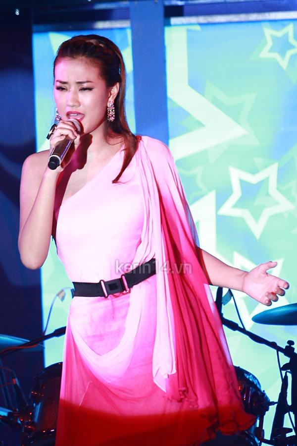 Ấm áp đêm nhạc ủng hộ Wanbi Tuấn Anh 9