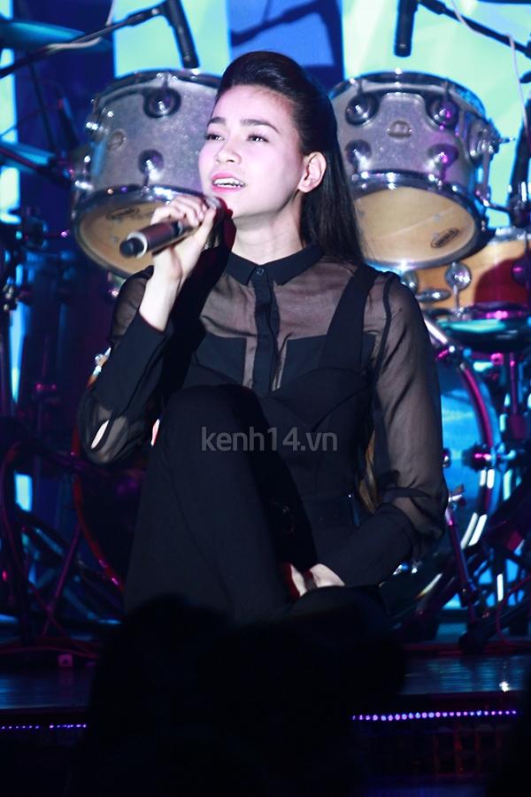 Ấm áp đêm nhạc ủng hộ Wanbi Tuấn Anh 13