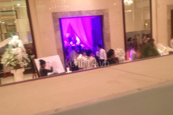 Những hình ảnh hiếm hoi trong tiệc cưới Hà Tăng 25