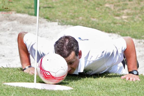 """Thú vị với môn thể thao """"đá golf"""" 3"""