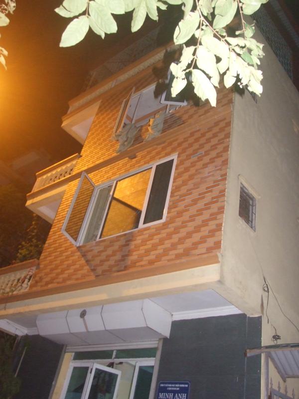 Hà Nội: Nổ súng giữa đêm trong căn nhà 3 tầng ở Hồ Tây 1