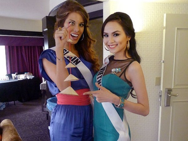 Hoa hậu Tây Ban Nha khỏa thân bên cờ Barcelona 14
