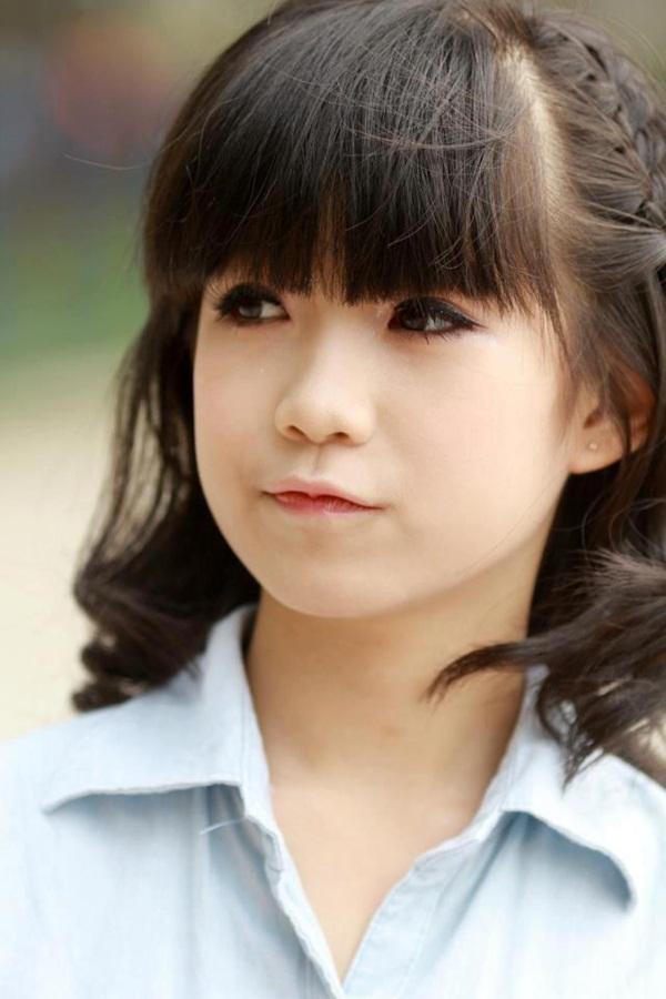 Nữ sinh Hà Nội gây sốt vì gương mặt xinh như búp bê 8