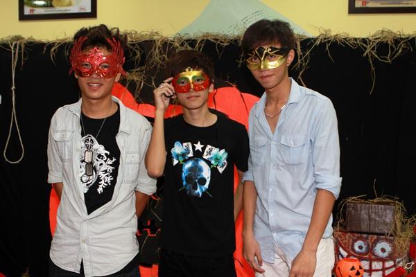 Giới trẻ Hà Nội rộn rã party Halloween 26