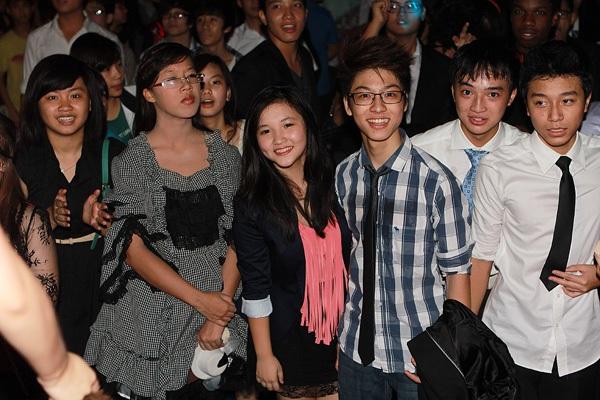 Giới trẻ Hà Nội rộn rã party Halloween 30