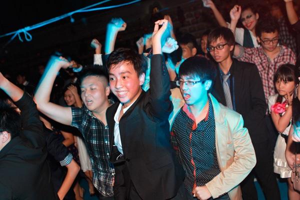 Giới trẻ Hà Nội rộn rã party Halloween 31