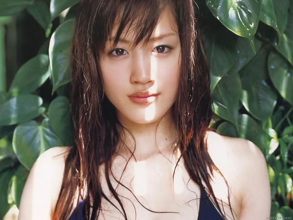 Top 10 sao nữ Nhật Bản được yêu thích và bị ghét nhất