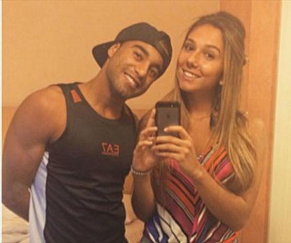 Neymar Bị Bắt Gặp Vào Khách Sạn Cùng Gái Lạ