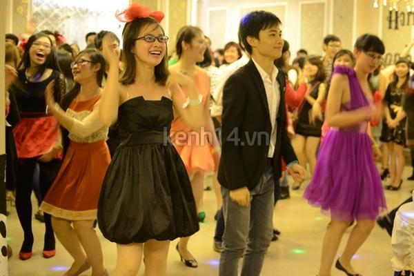 Giới trẻ Hà Nội rộn rã party Halloween 6