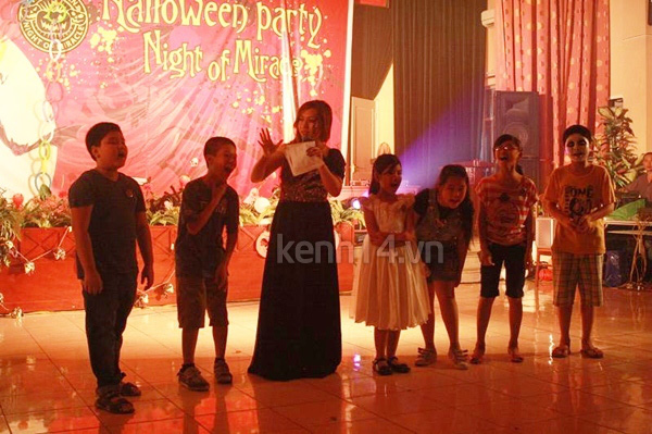 Giới trẻ Hà Nội rộn rã party Halloween 37