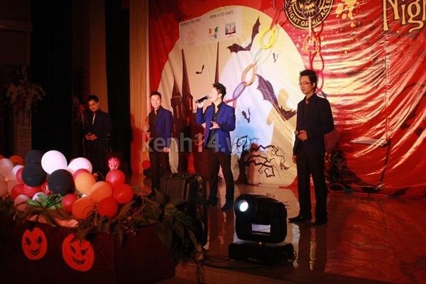 Giới trẻ Hà Nội rộn rã party Halloween 38