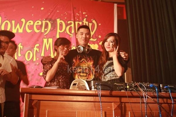 Giới trẻ Hà Nội rộn rã party Halloween 45