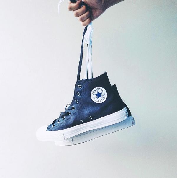 35f445d8cf43 Giới trẻ sốt rần rần với giày Converse Chuck II