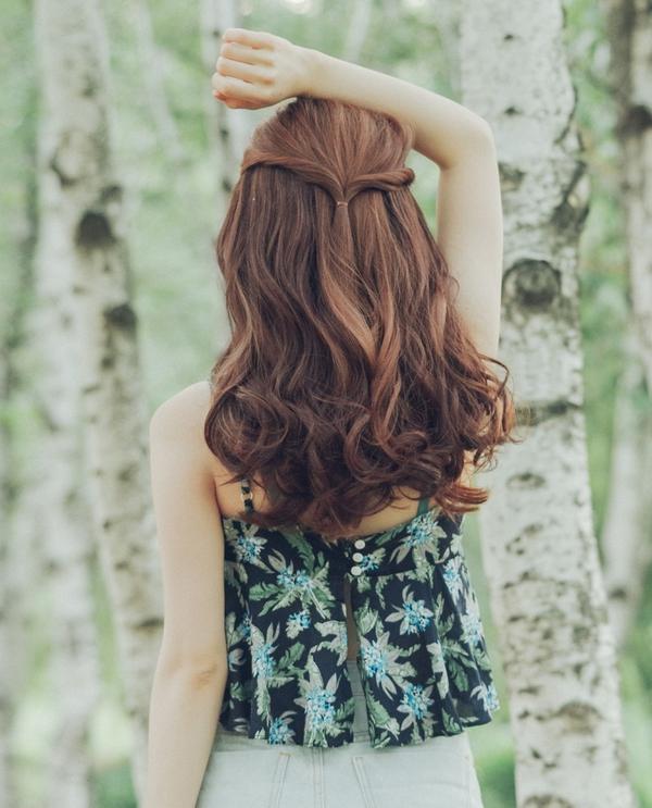 KHAI GIẢNG: Mách bạn cách làm tóc và trang điểm thật lung