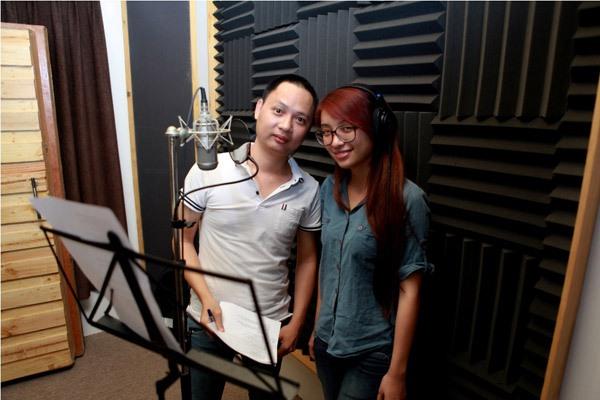 Đào Bá Lộc, Thái Trinh hát mừng Giáng sinh cùng team Hà Hồ 7