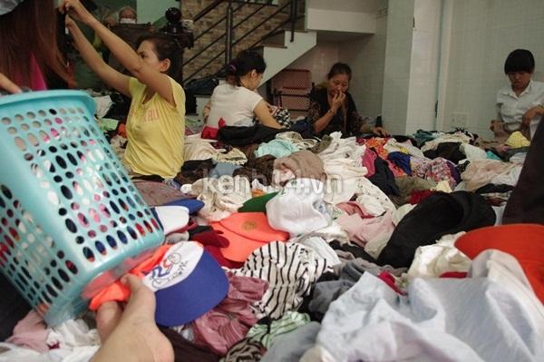 Hàng rẻ gây shock tại chợ hàng thùng Sài thành 4