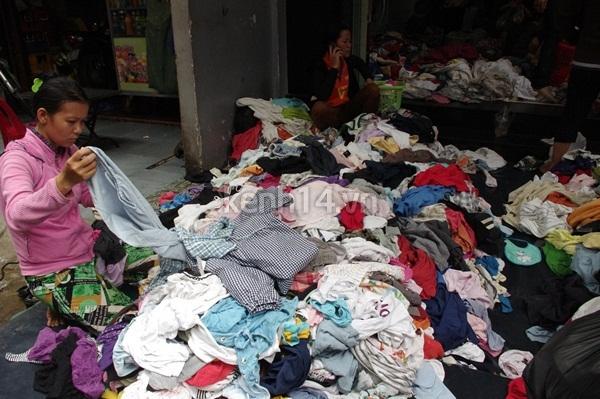 Hàng rẻ gây shock tại chợ hàng thùng Sài thành 10