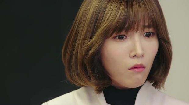 """""""7 First Kisses"""": Kai (EXO) gây sốc khi công khai hẹn hò và khóa môi cô giáo - Ảnh 4."""