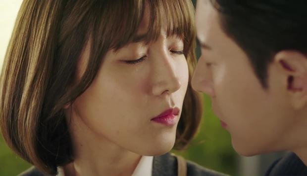 """""""7 First Kisses"""": Cô gái may mắn với 7 nụ hôn á? Vẫn chưa có nụ hôn nào cả! - Ảnh 5."""