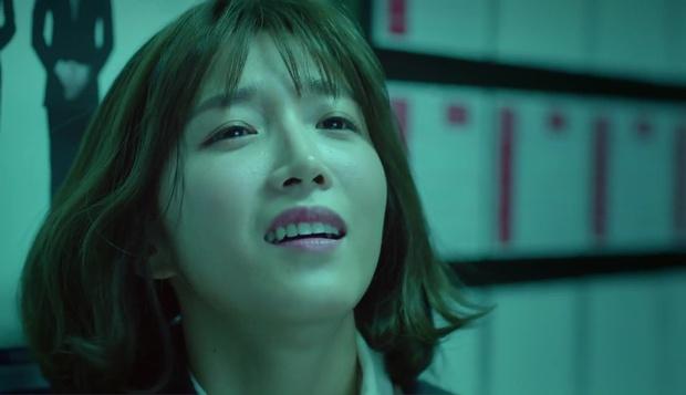 """""""7 First Kisses"""": Soái ca Park Hae Jin bảo vệ cô nhân viên may mắn nhất nước Hàn khỏi tên biến thái - Ảnh 10."""