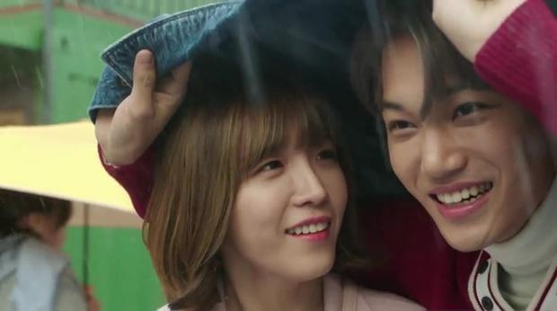 """""""7 First Kisses"""": Kai (EXO) gây sốc khi công khai hẹn hò và khóa môi cô giáo - Ảnh 11."""