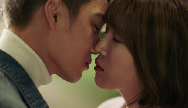 """""""7 First Kisses"""": Cô gái may mắn với 7 nụ hôn á? Vẫn chưa có nụ hôn nào cả! - Ảnh 13."""