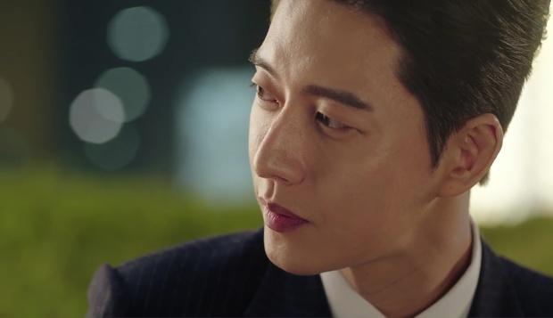 """""""7 First Kisses"""": Soái ca Park Hae Jin bảo vệ cô nhân viên may mắn nhất nước Hàn khỏi tên biến thái - Ảnh 12."""